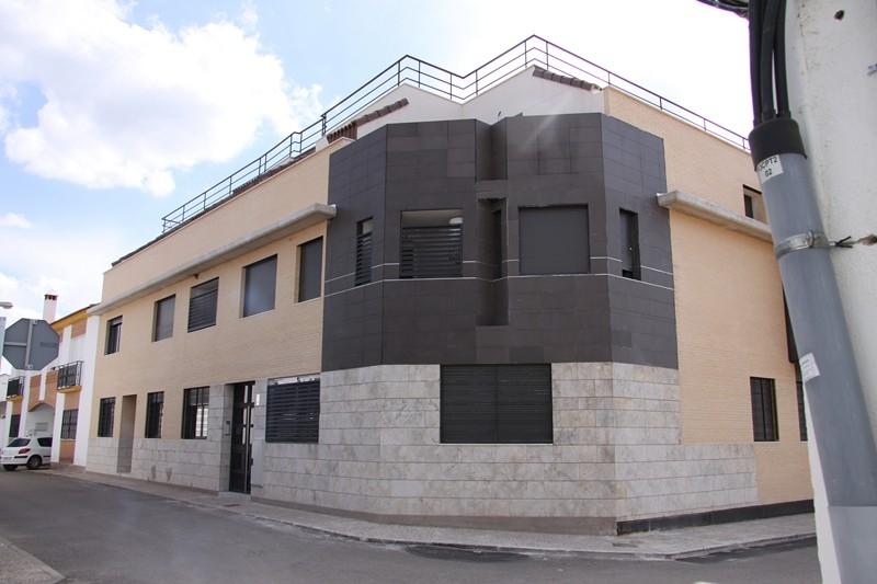Viviendas calle marqu s de trevi o las casas ciudad real for Viviendas en ciudad real